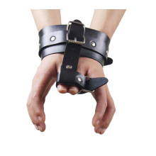 Popular Sm Sex Handcuff Leather Handcuffs for Sex Sex Bondage Sex Thumb Joint Sex Toys