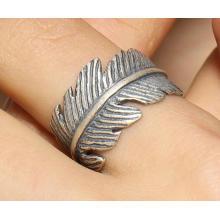 Mode Silberschmuck Männlicher Ring Scharfes Blatt Modellierung Retro Silber Farbe Halb Offen