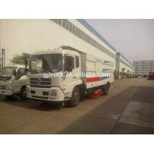 Camión barrendero de DongFeng 4 * 2 con el barrido de camino, succión del polvo, funciones de rociadura del agua