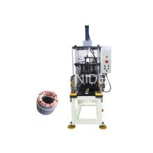 Machine automatique de formage et de formage de bobines statoriques automatiques