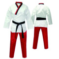 color uniforme rojo de taekwondo
