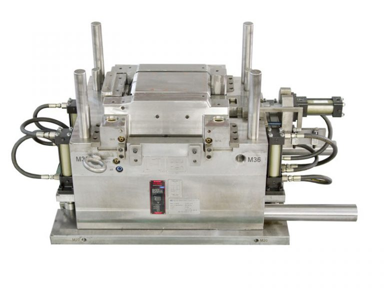 PC clear injection mould