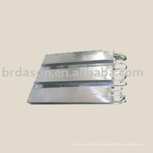 Input ultrasonic vibration plate for cleaning machine