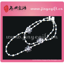 Handrmade Winter Crystal Floral Pearl Beaded Long Chain Necklace