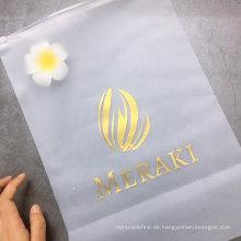 Reißverschlusstasche aus gefrostetem Kunststoff mit Reißverschluss