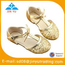 Zapatos baratos del bebé del ganchillo del verano
