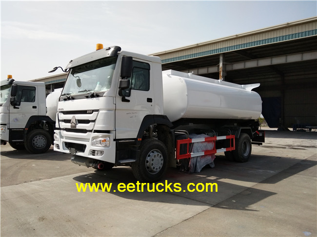 SINOTRUK 2500 Gallon Fuel Transport Trucks