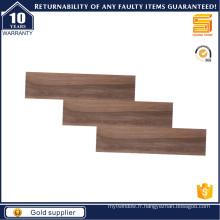 Tuile en bois marron pour plancher
