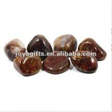Полированный драгоценный камень красного полированного камня, полированный галька