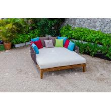 COLECCIÓN FLORES - Estilo de lujo caliente Poly PE Rattan Sun Loungers Muebles de jardín al aire libre