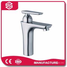 Robinet de lavabo de cuisine nouveau design Robinet de lavabo bec robinetterie
