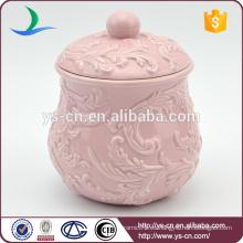 Venta al por mayor en relieve rosa pot cerámica con cubierta