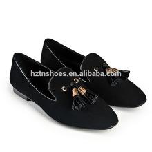 Tongning плоские леди обувь Мода дизайн Досуг повседневная обувь женщин с кисточкой площади Toe плоские мокасины для дам