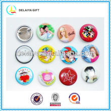 Fashion custom plastic tin badge for promotion