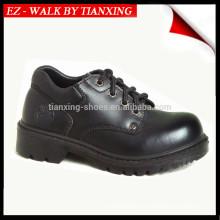 Chaussures de sécurité avec empeigne en cuir et bout en acier