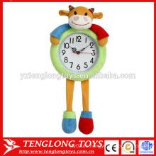 OEM Personalizado de felpa cubierta de peluche de peluche animal cubierta de reloj de vaca en forma de cubierta de felpa