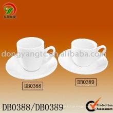 Xícara de café de porcelana
