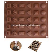 Varios molde de chocolate en forma de silicona de cocina