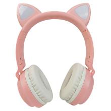 Bluetooth-гарнитура со светодиодной подсветкой и кошачьими ушками