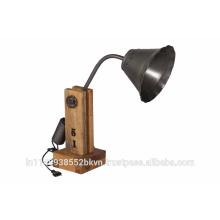 Lampe de table classique en bois