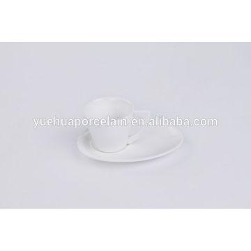Mini copo de chá cerâmico em massa e pires atacado