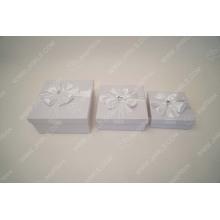 White lace cosmetics gift box