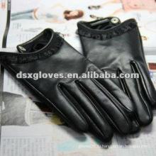Черная кожа женщины сенсорный экран перчатки
