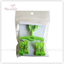 Foldable Plastic Clothes Hanger with 4 Pegs