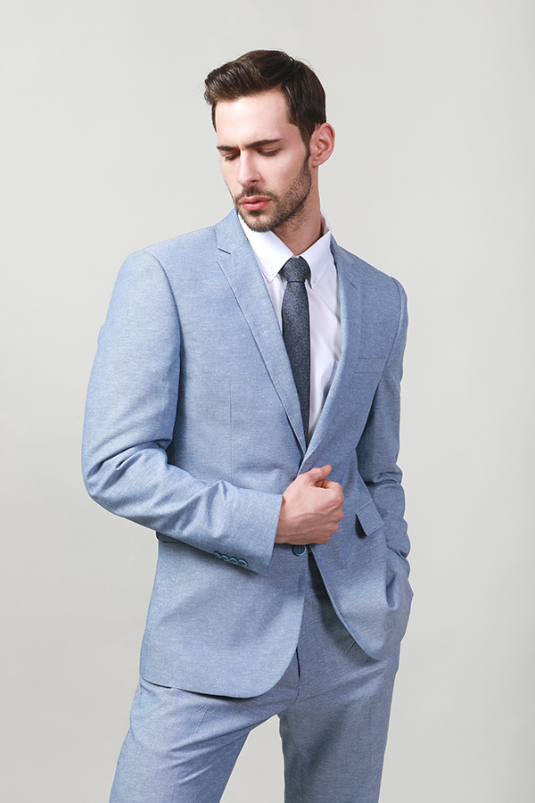 SUITS WITH WOOL TOUCH AND CATIONIC EFFECT