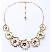 Elegante nobre senhora flor colar bijutarias