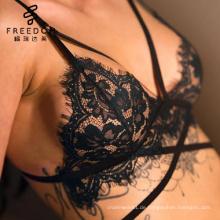 Mädchen sexy Bild Katrina xxx Foto Bralette Set Grüne Spitze Bralette mit schwarzem Geschirr Dessous set