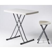 Table supérieure en plastique rectangulaire de 2 pi 6 po avec pattes pliantes
