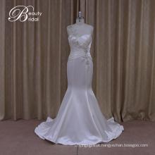 Cintilante magro Império cintura casamento vestido de babados cetim