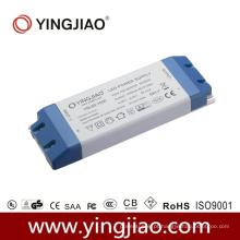 Excitador constante do diodo emissor de luz da tensão 60W com CE