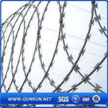 Galvanized Bto-22 Razor Barbed Wire for Farme Using