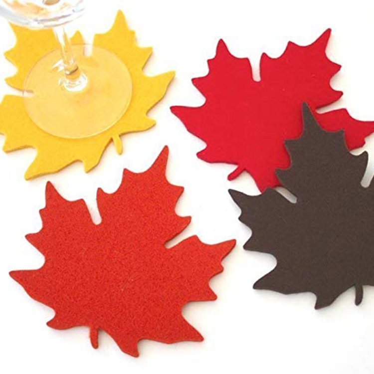 Maple Leaf Pattern Decorative Placemat