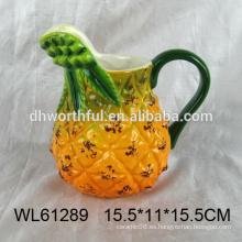 Taza de leche de cerámica al por mayor con mango grande en forma de piña
