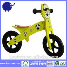 Bicicleta eco-friendly do balanço dos miúdos de madeira