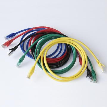 Cable cruzado Cat5e Cable de red sin blindaje Snagless