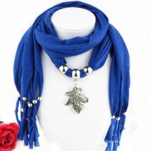 China manufacture metal leaf decorated personalized infinity pendant scarf necklace