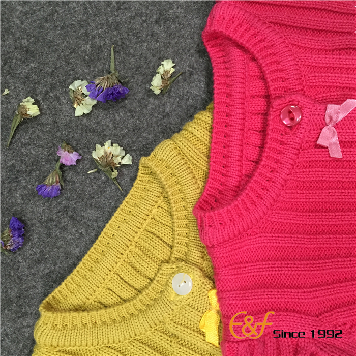 Convex ribs Sweater with Butterfly