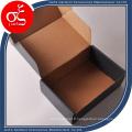 Boîte d'emballage pour le vêtement