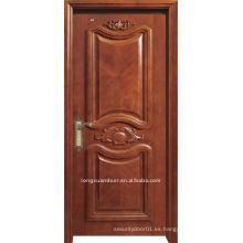 Lujosa puerta tallada
