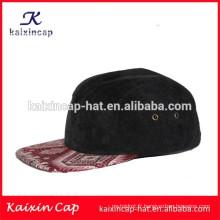 couronne de casquette de velours côtelé noir et impression rouge de haute qualité et vierge nouveau casquette de camp 5 panneaux avec sangle de ceinture