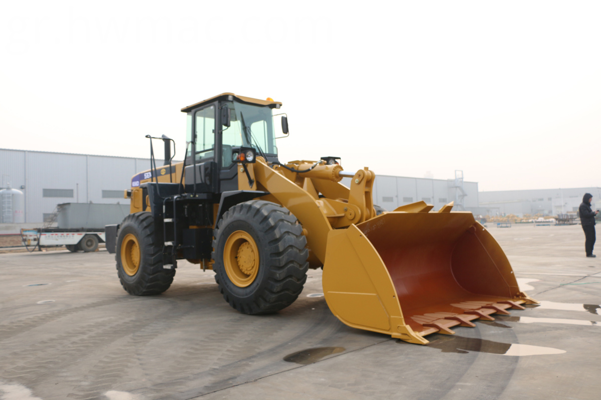 4 Wheel Drive Tractor With Front Loader