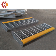 Galvanized Steel Stair Tread with Yellow Abrasive Anti-slip Nosing at Factory Price