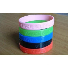 2016 Fashion Top Quality Colorful Wristband with Debossed Logo