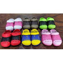 Zapatos de jardín unisex Softening del diseño hermoso con precios baratos, estorbos del verano para los niños