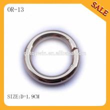 OR13 Anillo metálico de color plata para el bolso