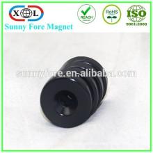 schwarzem Epoxy-Magnet mit Schraubloch